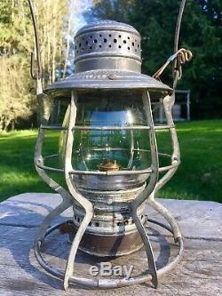 1897 Burlington Route Railroad Lantern Handlan Buck with Embossed Ext Base Globe