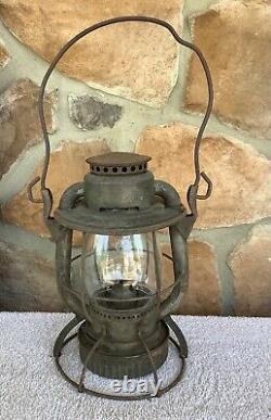 Antique Dietz Vesta Railroad Lantern with Dietz Clear Globe Manufactured S 1931
