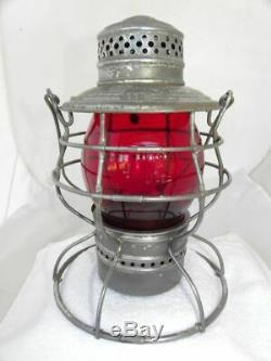 BURLINGTON ROUTE RAILROAD LANTERN Signal Red Cast Lantern Globe