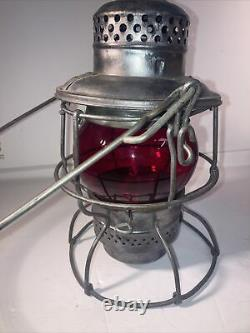 D&H Co. ADLAKE 1-62 KERO Delaware and Hudson Railroad Lantern withRed Globe