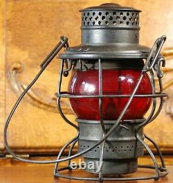 D&H Co. ADLAKE 250 KERO Delaware and Hudson Railroad Lantern Embossed Red Globe