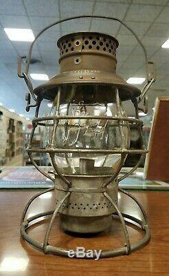 Delaware & Hudson D&H Adlake Reliable Railroad Lantern Clear Cast Script Globe
