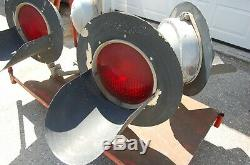 Large Railroad Train Crossing Red Signal Lights, by Modern industries, 4 Lights