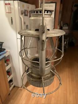 Rare DIETZ VESTA RAILROAD LANTERN MARKED WITH CLEAR CNX, EMBOSSED GLOBE Mint