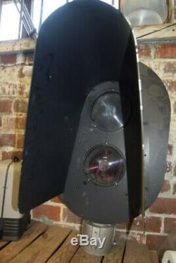 Safetran Railroad Train Signal Siemens CLS 20R Large Approx 42h Green Red Light