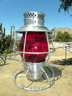 UNION PACIFIC RAILROAD LANTERN Signal Red Lantern Globe