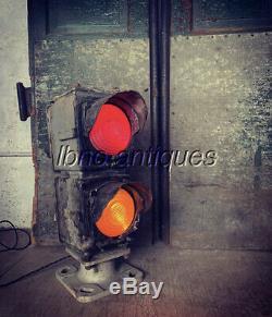 VINTAGE GRS & Co. DWARF RAILROAD SIGNAL LIGHT. WORKS! . LOOK