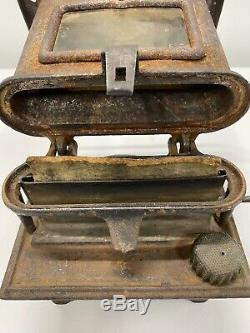 Vintage LEADER RAILROAD CABOOSE KEROSENE STOVE HEATER Small Portable Size