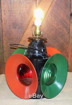 Vintage Railroad Handlan Train Lantern Lamp Signal St Louis Railfinders Table